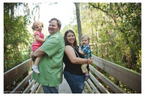 www.KristineFreed.com | Lettuce Lake Park Family Holiday Mini Session | F Family image 4